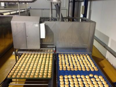 Broodbakmachine in bedrijf in Congo
